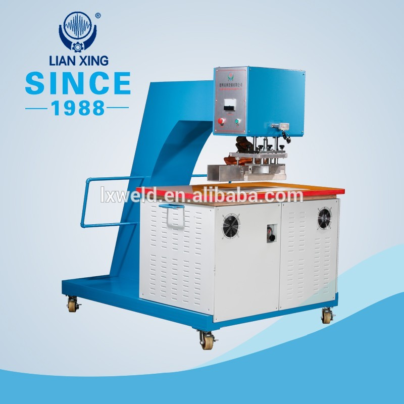 Movable high frequency welding machine for tent